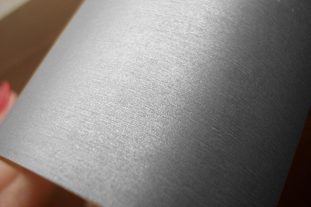 Кардсток с тиснением Шелк, 130 г/м2 серебро