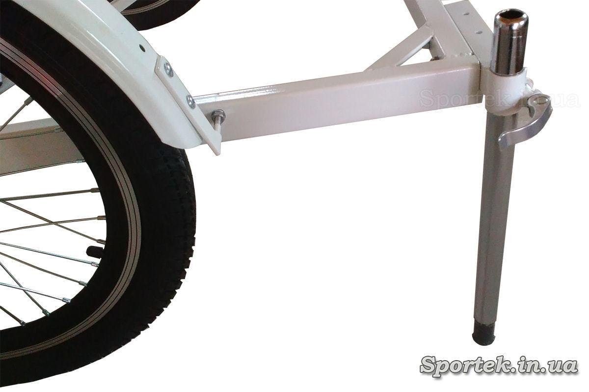 Стояночный упор для передней грузовой платформы (устанавливается по необходимости)