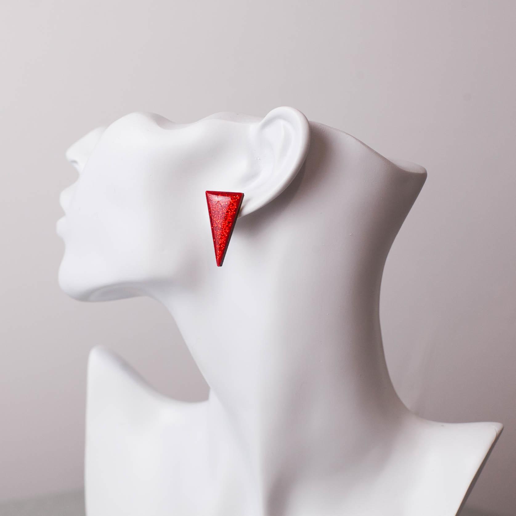 Серьги треугольники красный блеск