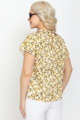 <p>Стильная летняя блузка прямого силуэта. Кокетка по переду на сборке.Спущенная линия плеча с воланом. Застежка горловины на крючке. (Длина по спинке: 44-46=61см; 48=63см; 50=64см; 52=66см;)</p>