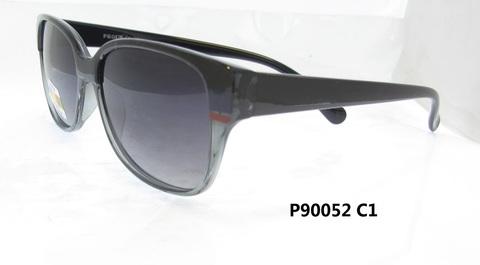 P 90052 C1
