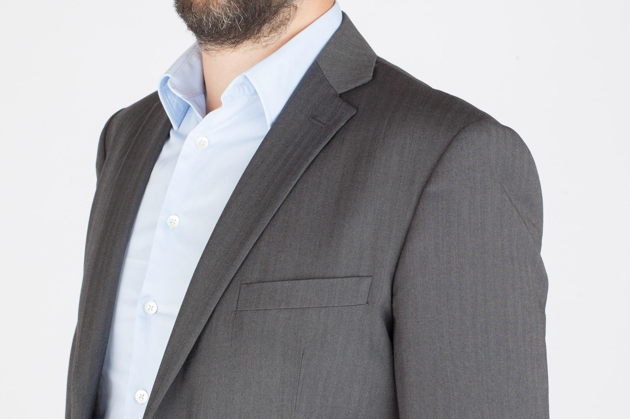 Серый шерстяной костюм