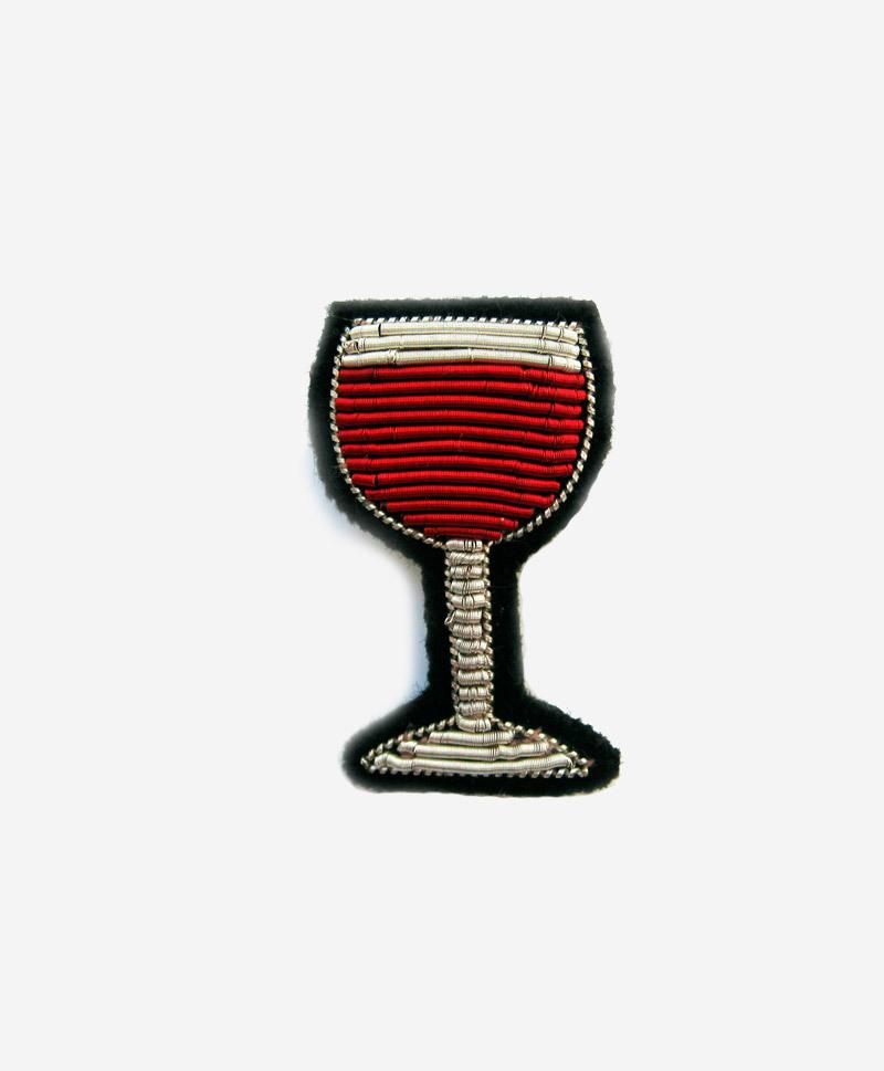 Брошь Glass of wine