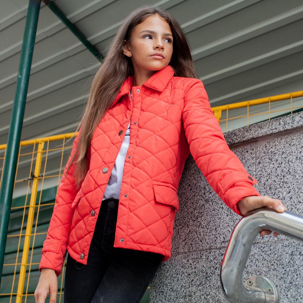 Демисезонная красная куртка на подростка