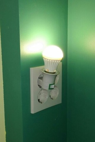 Переходник с вилки на патрон для лампы E27 с выключателем