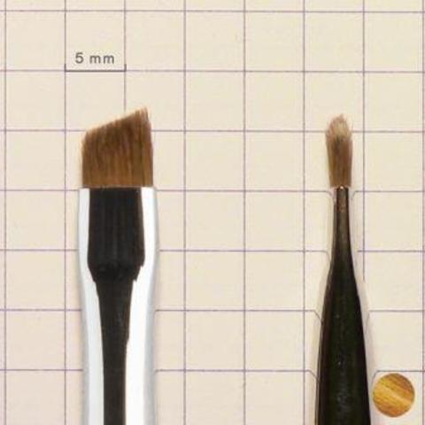 Кисть для бровей №6 тонкая скошенная (101971006)
