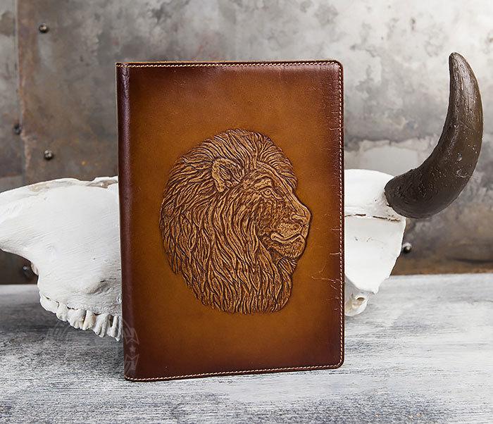 BY05-15-01 Кожаный ежедневник в обложке из натуральной кожи «Лев» (А5) фото 02