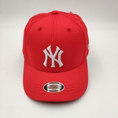 Кепка с вышитым логотипом Нью-Йорк Янкиз (Бейсболка New York Yankees) красная 02