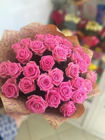 33 розовые розы 60 см в оформлении #3774