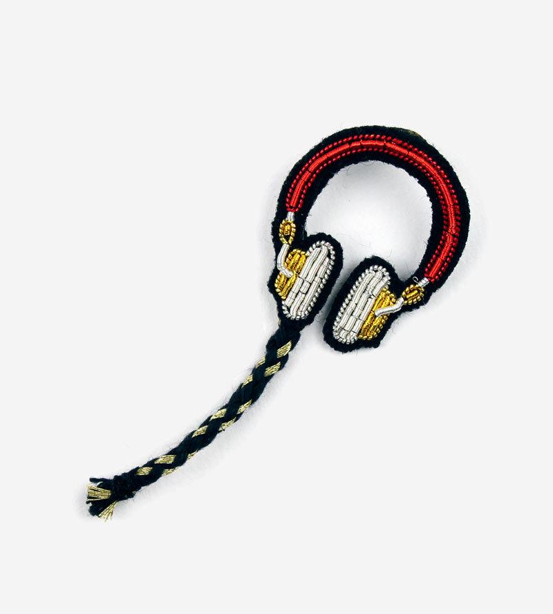 Брошь Headphones
