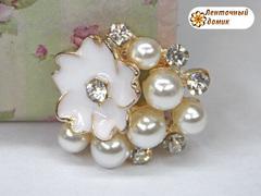 Стразовый декор белый цветок с жемчугом