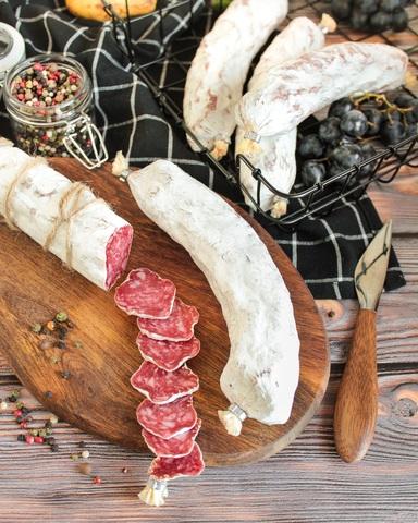 Сыровяленая колбаса