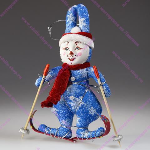 Елочная игрушка — Кролик на лыжах