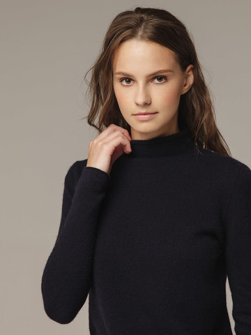 Женский джемпер черного цвета из 100% шерсти - фото 3