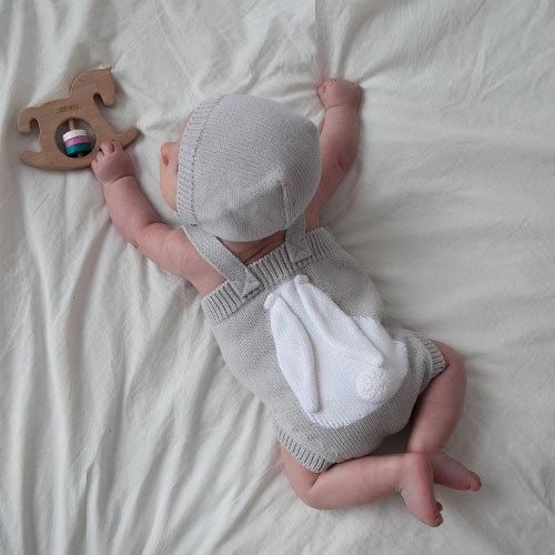 Комплект LITTLE BUNNY серый боди и шапочка