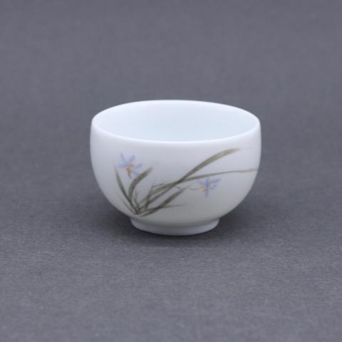 Чашка с голубым цветком. фарфор, 80мл
