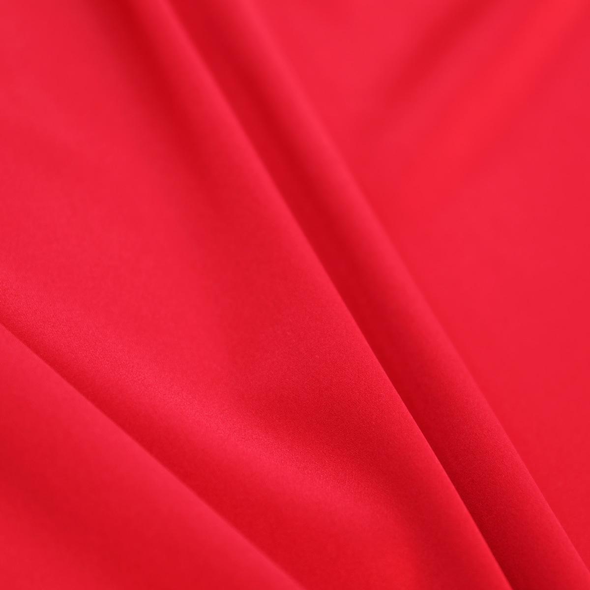 Красный атласный шелк