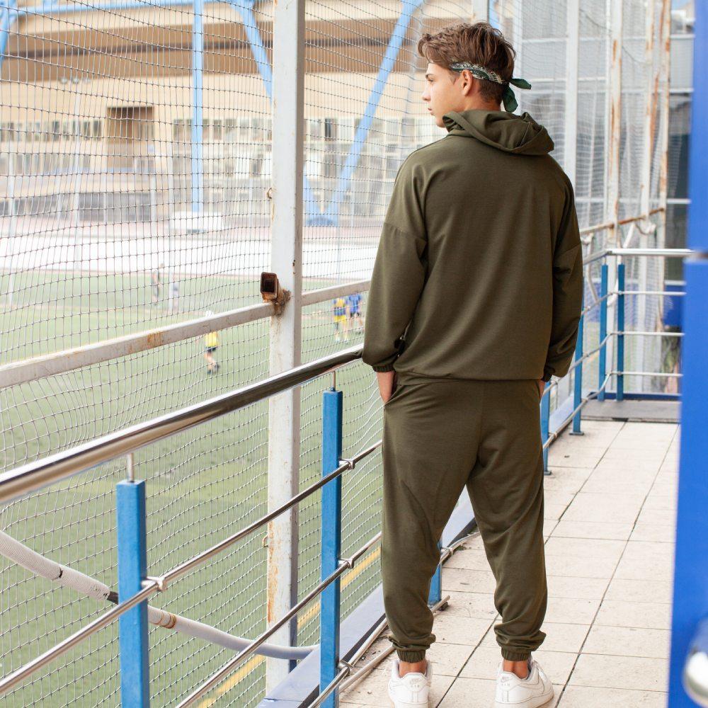 Спортивный костюм oversize цвета хаки на мальчика