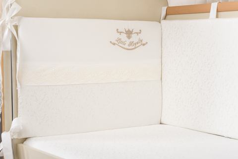 Бампер в кроватку для новорожденного «Маленькое высочество»