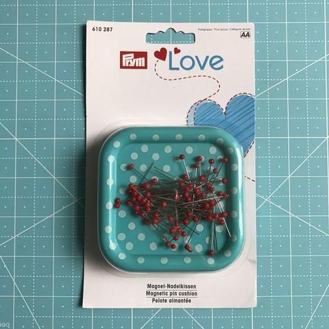Магнитная игольница Prym Love с набором булавок со стеклянными головками (арт. 610287)