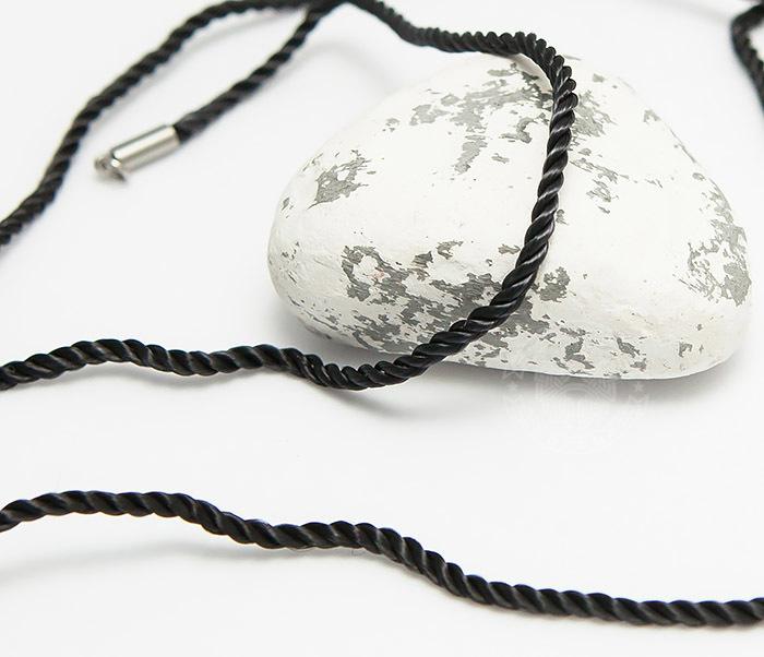 Pokrovsky, Крученый шнурок на шею (гайтан) из шелка черного цвета (55 см)