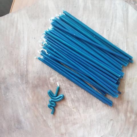 Восковые свечи  синие