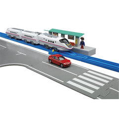 Железная дорога + гоночная трасса City Express Set (Tomy, 85403)