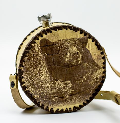 Фляга круглая в кожаном чехле Медведь, 500 мл