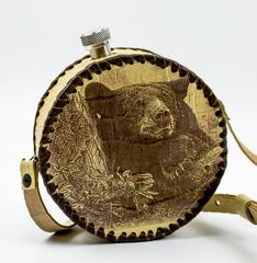 Фляга круглая в кожаном чехле Медведь, 500 мл, фото 1