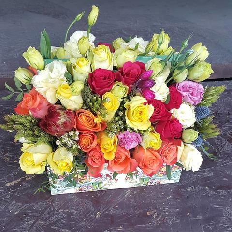 Ящик с цветами весенний 2