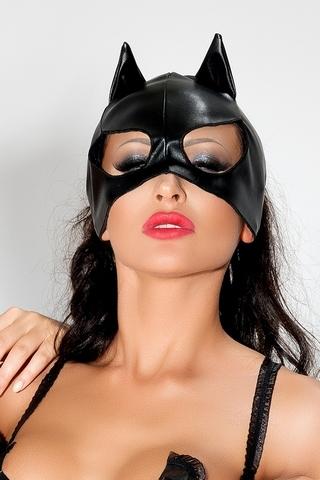 Маска Женщины-Кошки