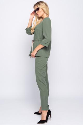 <p>Умопомрачительный костюм! Жакет идеально подчеркнет талию поясом спереди в кулиске, вшитой в боковые швы. Брюки смотрятся стильно и дорого!&nbsp;<span>Классические&nbsp; брюки прямого силуэта, талия на резинке. Удобная высокая посадка.</span><span></span></p>