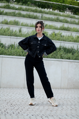 Черная джинсовая куртка оверсайз купить