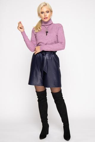 <p><span>Модные шорты из эко-кожи 2020 года придадут изюминку вашему образу и привлекут внимание представителей сильного пола.&nbsp;</span></p>