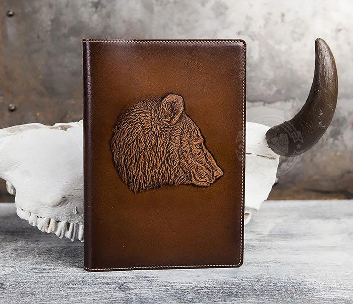 BY05-15-03 Недатированный кожаный ежедневник с медведем (А5) фото 02