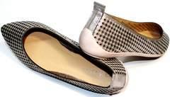 Закрытые босоножки на низком каблуке Kluchini 5218 k 365 Titan.
