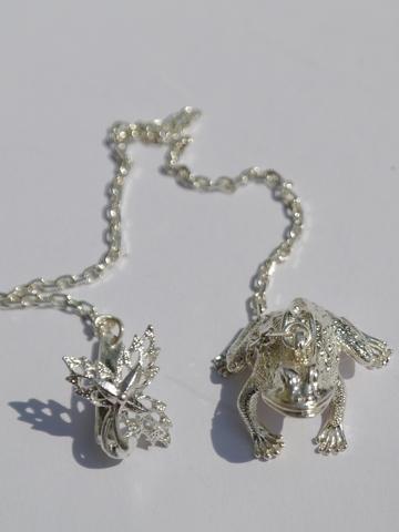 Лягушка ( серебряный ионизатор)