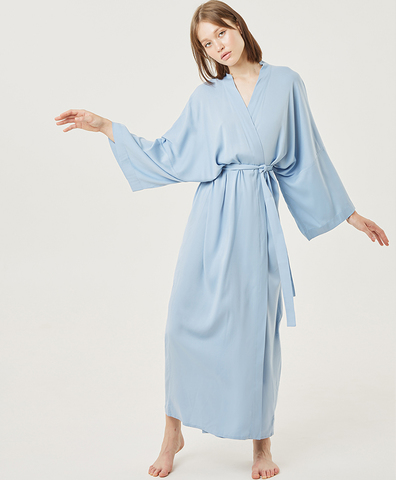 Кимоно из вискозы голубое длинное