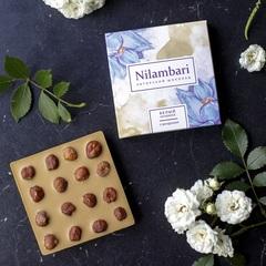 Шоколад Nilambari белый с фундуком, 65 г