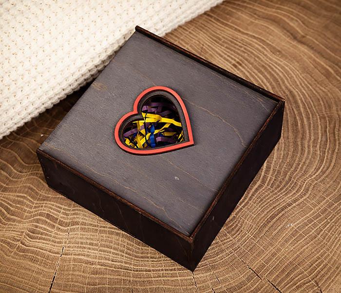 BOX209-1 Подарочная коробка из дерева с сердцем (17*17*7 см) фото 03