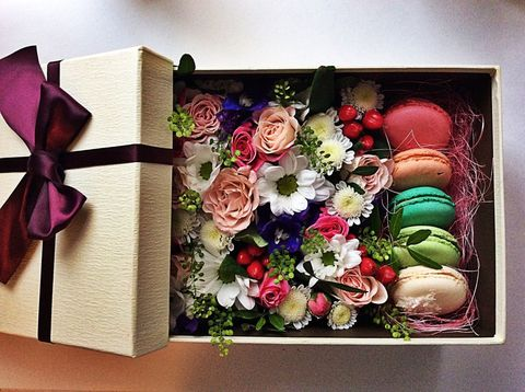 Цветы и macaron ( 5 шт.) #1478
