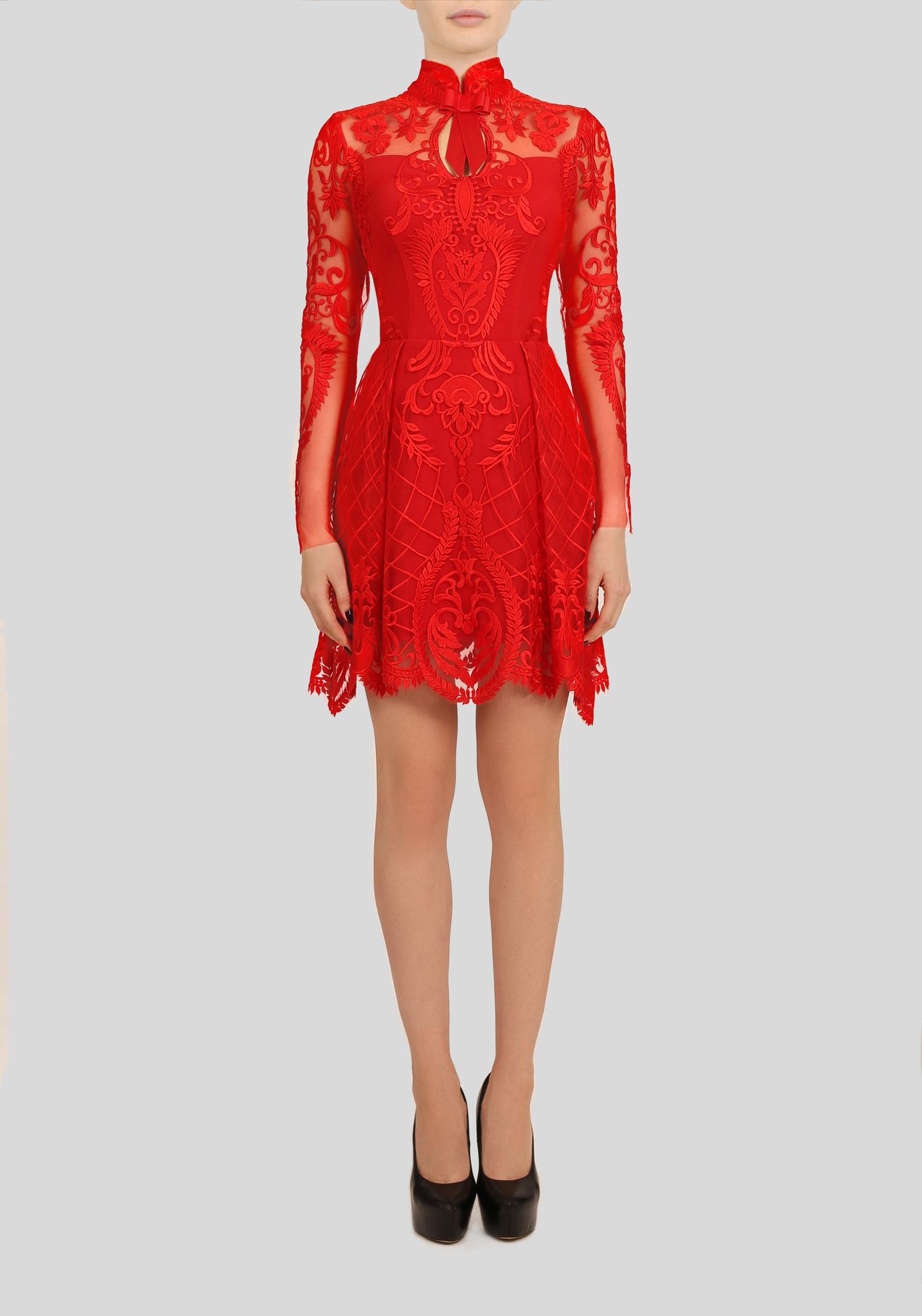 Платье красное из кружева