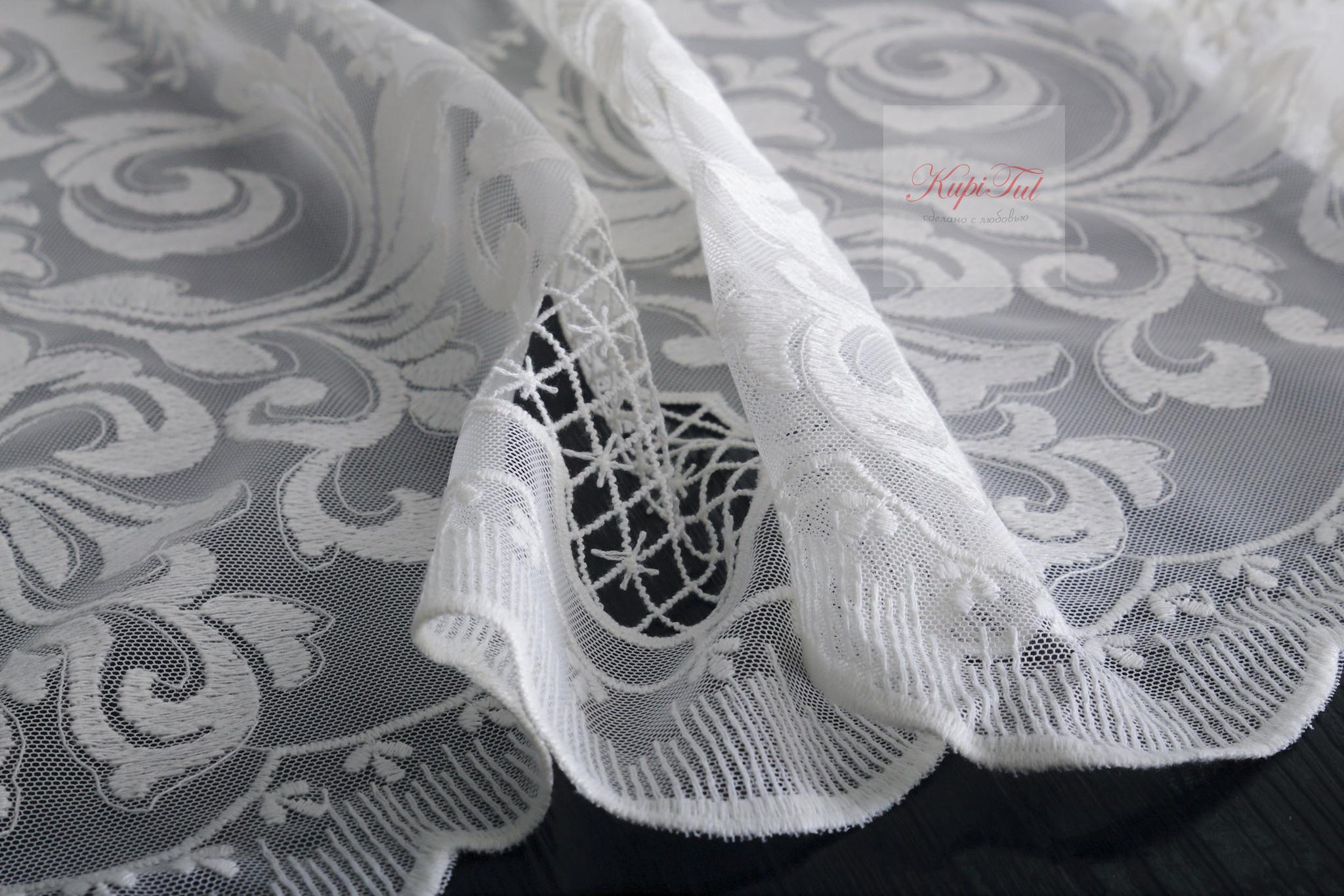 Тюль французская сетка с вышивкой Медальон (молочный)