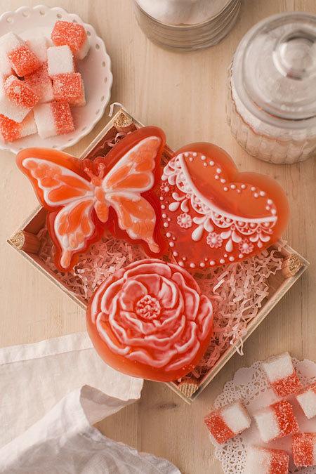 Пластиковая форма для мыловарения Сердце с орнаментом 3