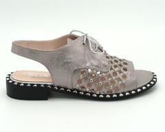 Серебряные сандалии со шнуровкой