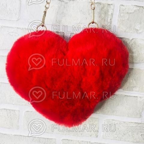 Сумочка-сердце пушистая красная на цепочке