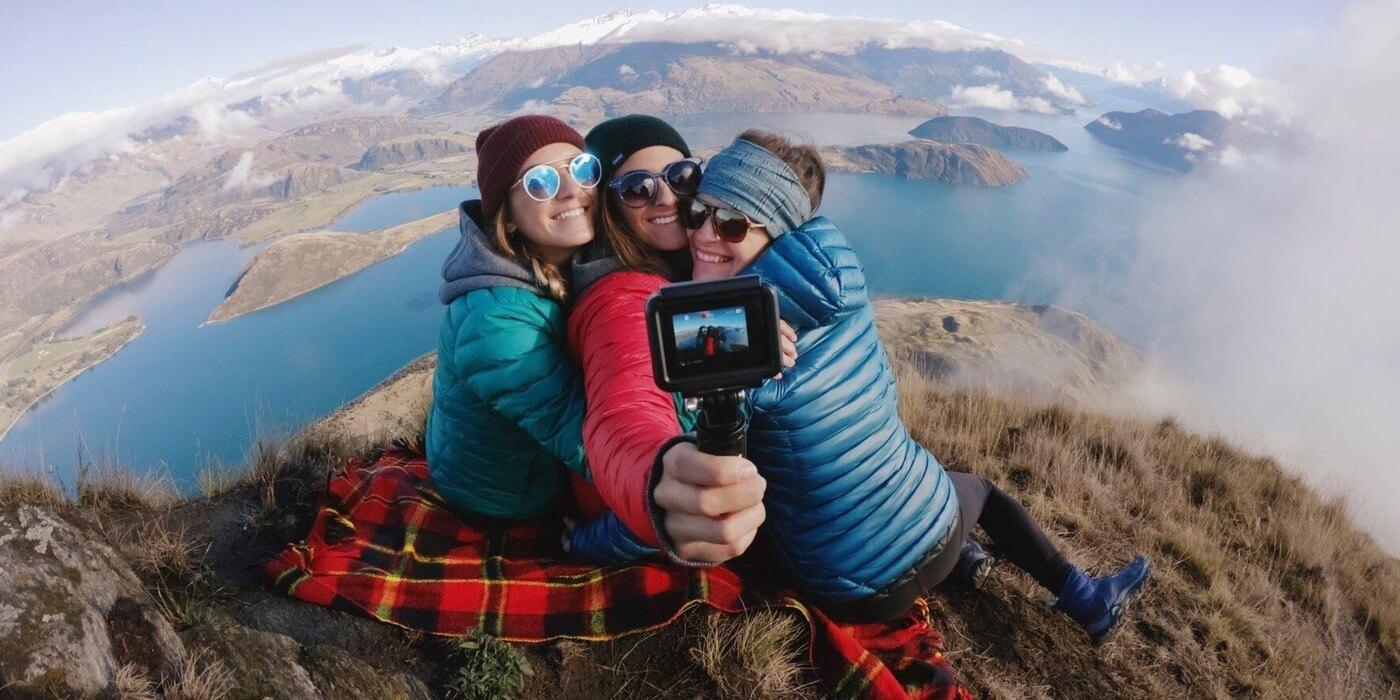 Набор аксессуаров GoPro Travel Kit (AKTTR-002) монопод пример использования