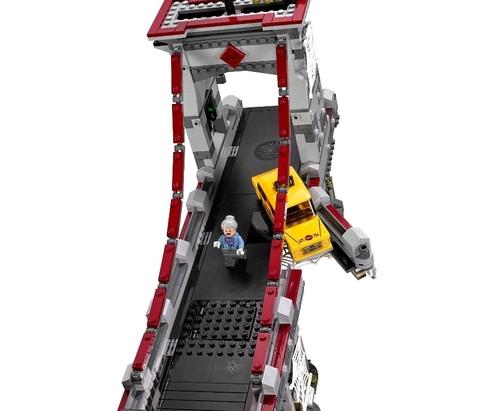 LEGO Super Heroes: Человек-паук последний бой воинов паутины 76057 — Spider-Man: Web Warriors Ultimate Bridge Battle — Лего Супергерои Marvel Марвел DC Comics комиксы