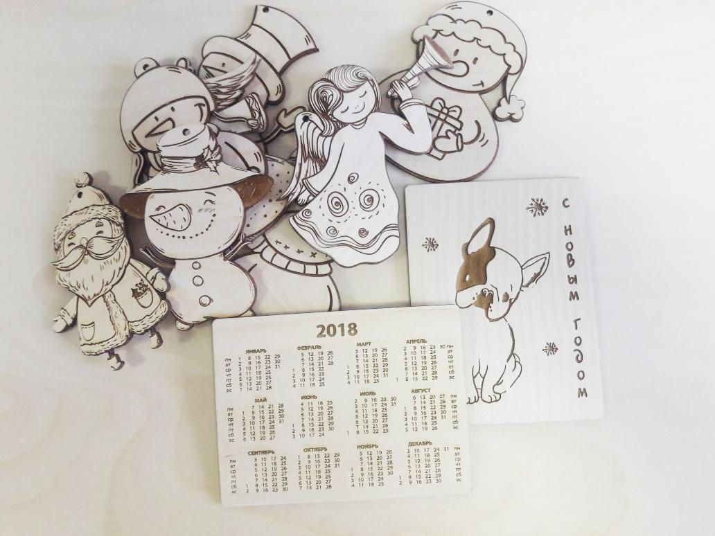 резка календаря из дерева