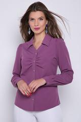 <p>Элегантная блузка в деловом стиле должна быть в гардеробе каждой женщины. Блузку можно носить навыпуск, можно заправить в юбку или брюки. По переду планка на пуговицах с изящным отложным воротником. В области груди - модные складки. Рукав длинный на манжете.</p>